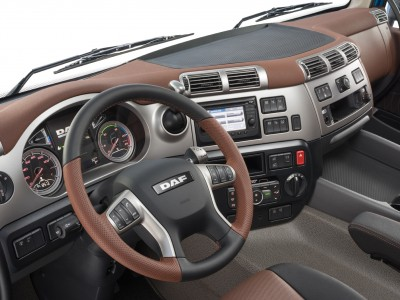 18-2017-New-DAF-CF-Exclusive-Line-Interior