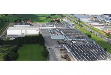 20150901-01-DAF-investeert-100-miljoen-euro-in-nieuwe-lakstraat-Westerlo-940